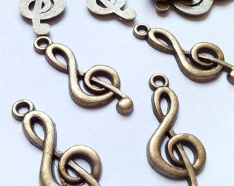 5 charms 26x10mm bronze metal music note treble clef