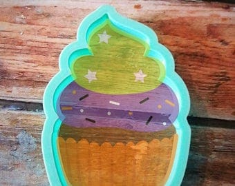 Cupcake with double whip cookie cutter