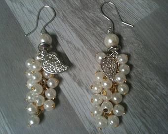 Wedding silver dangle earrings grape cluster earrings Stud jewelry-ivory pearls ivory loop ivory