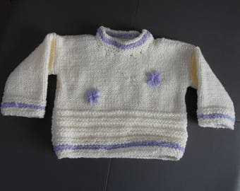 A 3/6 months baby sweater