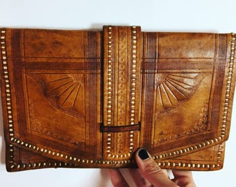 Vintage 1950s Leather Tooled Clutch