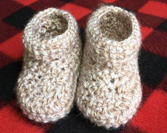 Baby moccasins, crocheted toddler moccasins, soft baby booties