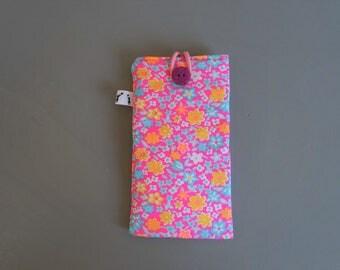 Fleece touchscreen phone cover