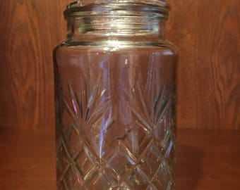 Vintage 1983 Planters Peanut Decorative/Storage Glass Jar.