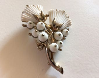 Fabulous Vintage Trifari Pat. Pend. Milk Glass Flower Brooch