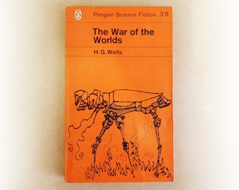 HG Wells - The War of the Worlds - Penguin science fiction vintage paperback book - 1964