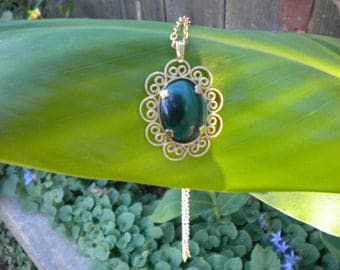Malachite Pendant Necklace - Genuine Hand-cut Gemstone - Gold-plated setting