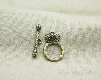 Crown & Sceptre - Metal, Bronze - clasp