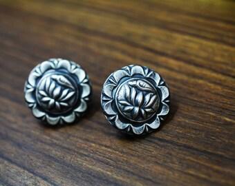 Lotus STUDS EARRING 925 silver oxidised