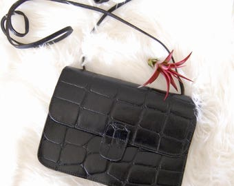 Vintage Mundi Leather Black Crossbody Bag