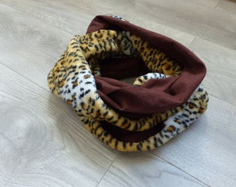 cotton double snood chocolate and Leopard print blanket