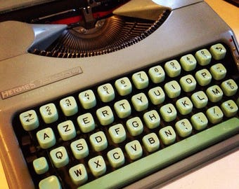 HERMES baby ultra-portable 'seafoam' Typewriter fully working !