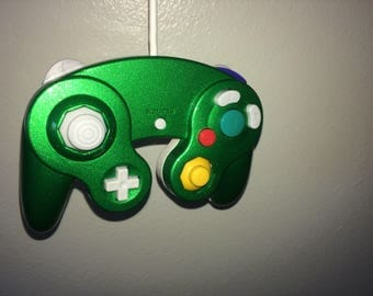Pearlized Green and white Gamecube Controller for Smash Bros for Wii U