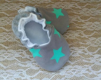 Handmade baby shoes, Soft sole shoes, baby booties, baby slippers--Grey/Mint Stars