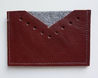 Mahogany leather card holder & felt
