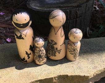 Wooden Peg Nature Family / Set of 4 / Wooden Peg People, Natural Toys, Imagination Play, Hand Painted Toys, Wooden Toys, Wooden Peg People