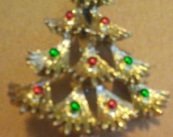 Gerrys christmas tree brooch red rhinestone with red and green enamel goldtone vintage