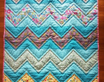 Patterned Zig-Zag Baby Quilt