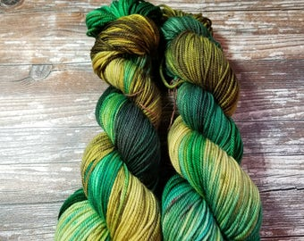 Hand dyed yarn dk weight yarn merino yarn indie dyed yarn 100g 225 yards speckled yarn