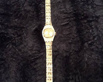 Vintage Manual Wind Limit International 17 Jewel Incabloc French Movement Gold Plated Ladies Watch
