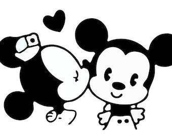 Mickey & Minnie Kissing