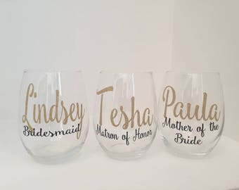 Personalized Bridesmaid Wine Glasses | Bridal Party Wine glasses