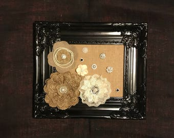 Black Frame Adorned the Burlap and Lace.
