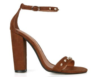 Toi et Moi Gelato-01 Slim Ankle Strap Women's Chunky Heel in Brown