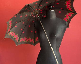 Amazing 20's Vintage Umbrella with decorative handle