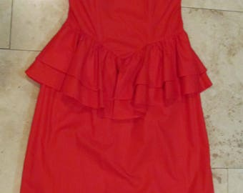 Vintage RED dress, stapless with bows & ruffles, sexy and figure flattering, from 1980's old fashioned dress, evening wear, vintage clothing