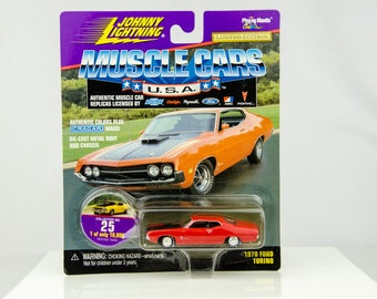 Johnny Lightning Muscle Cars 1970 Ford Torino 1/64 Diecast Car