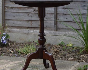 Antique Victorian Mahogany Tripod Table with Ball & Claw Feet