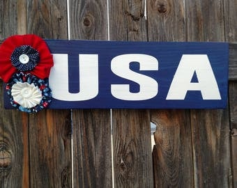USA Wood Sign With Fabric Flowers
