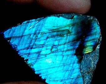 80.00 cts Aaa 100% Natural Blue Flashy LABRADORITE Rock Rough loose gemstone size = 42X33X7 mm