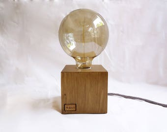 Cube wooden lamp with Edison bulb