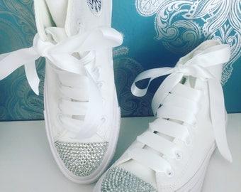 White mono crystal converse