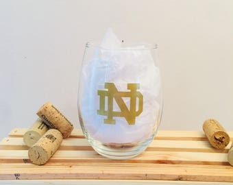 Notre Dame Logo, football, Customizable Wine Glass, Personalized Wine Glass, gifts for him, Gifts for Her