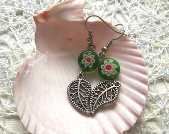 Green Fairy spring Boho leaf Earrings girls graceful petite Dangle Drop filigree leaf charm green daisies lampwork jewelry gift wife for her