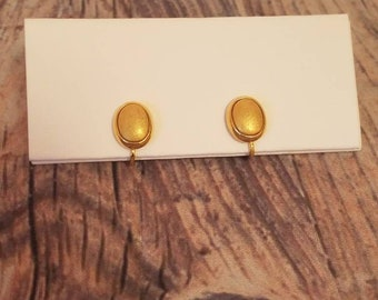 Tiny Gold Tone Vintage Clip on Earrings 1980s