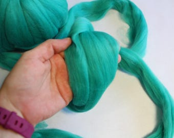 Jade Dyed Corriedale Wool Roving - Super Soft, 23 Microns - 1lb