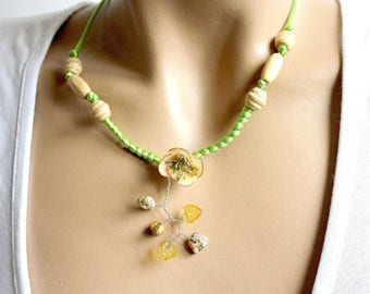 Cold porcelain and green satin Pink Flower necklace.
