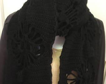 Lined skull scarf.