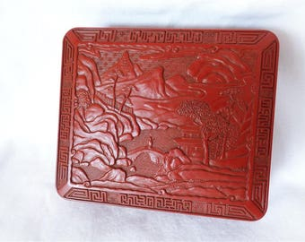 RJ000050 : Vintage Japanese Chinese Cinnabar style trinket box, jewelry box