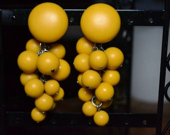 Estate Jewelry|Yellow Cluster Bead Earrings|Vtg