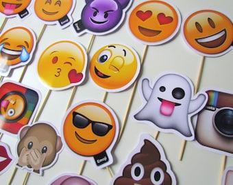 Emoji Photo Booth Props - great gift idea - Emoji Party