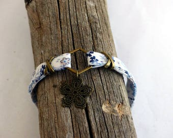 Liberty, Bronze flower pendant bracelet