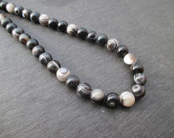 Zoned agate, black, grey and Brown: 10 round beads 6 mm