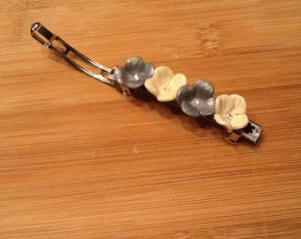 Flowers or sweets to choose hair clip