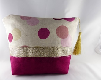 Make-up suede fuschia, linen and band of gold sequins