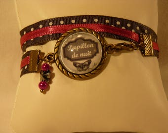 """Bracelet with a little retro Ribbon and """"Moth"""" cabochon"""
